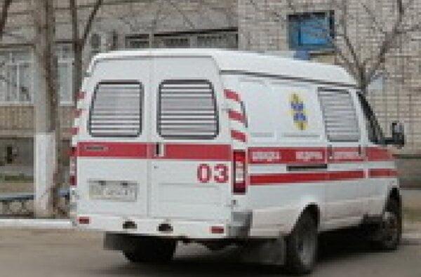 Нетрезвая мать набросилась с топором на своего 16-летнего сына – парень доставлен в больницу | Корабелов.ИНФО