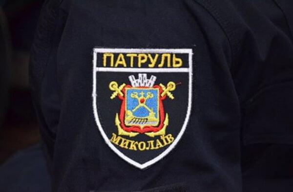 Приревновал, поскандалил и сиганул с балкона житель Николаева, но полицейский его спас   Корабелов.ИНФО