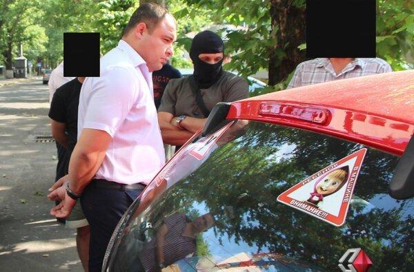 Суд подовжив обмеження для екс-керівника Жовтневої податкової, підозрюваного у хабарництві   Корабелов.ИНФО