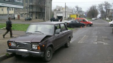 Photo of В Николаеве полицейский ВАЗ врезался в «Шевроле»