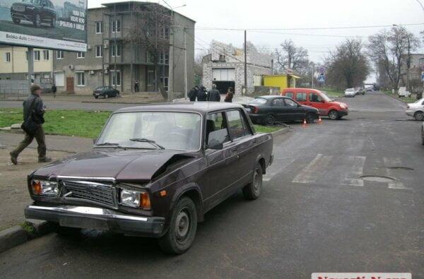 В Николаеве полицейский ВАЗ врезался в «Шевроле» | Корабелов.ИНФО image 1