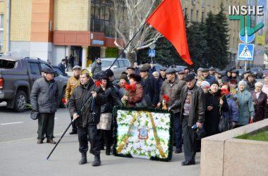 Слезы гордости, крики, потасовки и уроки истории – как в Николаеве отметили 72-ю годовщину освобождения (Видео) | Корабелов.ИНФО image 8