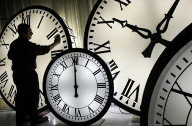 """Сегодня ночью часы переводят """"на летнее время""""   Корабелов.ИНФО"""