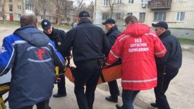 Photo of На пр.Богоявленском мужчина, скрываясь от патрульных, упал вниз головой со 2-го этажа