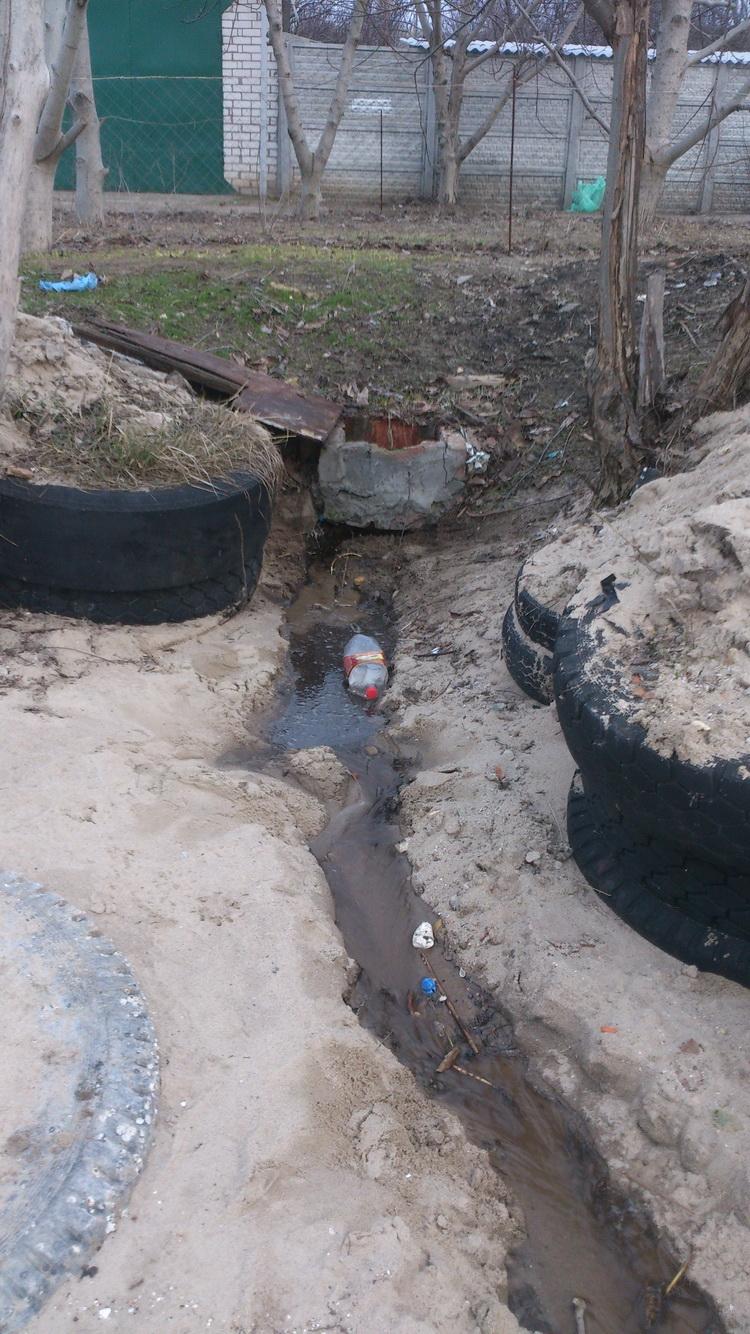 """""""А вдруг экологи проснутся"""", - житель Корабельного района устал в одиночку бороться со сливом канализации в реку   Корабелов.ИНФО image 1"""