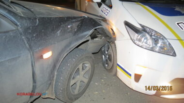 Патрульные полицейские в Корабельном районе попали в ДТП (ВИДЕО)