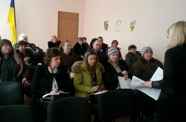 Податківці Жовтневого навчають і аграріїв, і голів сільських рад   Корабелов.ИНФО
