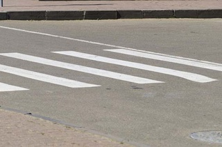 Пассажир «Москвича» вышел разбираться с пешеходами, стоявшими посреди пр.Богоявленского, теперь ему грозит тюрьма | Корабелов.ИНФО