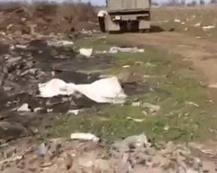 """Недалеко от """"многоэтажек"""" в Корабельном устроили свалку. Туда везут мусор целыми грузовиками (ВИДЕО)   Корабелов.ИНФО image 5"""