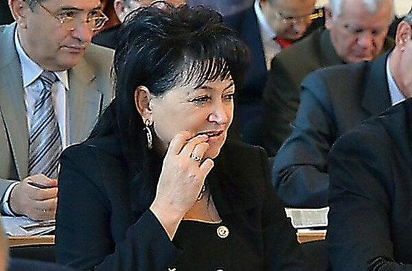 У Сенкевича не знают размер зарплаты, которую получала скандальная директора КП по питанию детей   Корабелов.ИНФО