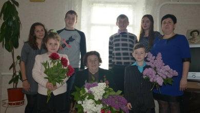 Учні школи № 49 привітали з Днем Перемоги ветеранів Корабельного району | Корабелов.ИНФО image 1