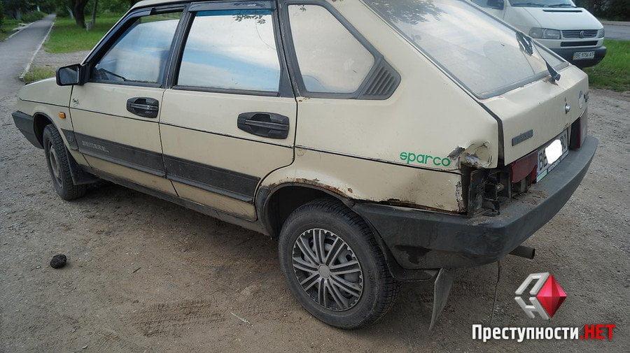 На проспекте Богоявленском из-за ямы на дороге в ДТП попали 2 легковушки, микроавтобус и мотоцикл   Корабелов.ИНФО image 2