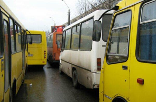 В Николаеве в поминальный день, 8 мая, изменено движение автобусов | Корабелов.ИНФО