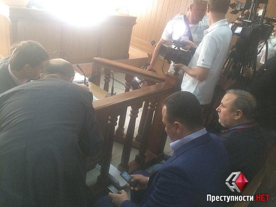 Пойманнный на взятке и сбежавший из больницы Романчук появился в суде | Корабелов.ИНФО image 4