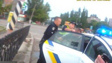 П'яному водієві, що побив інспектора у Корабельному відділу поліції, загрожує до п'яти років позбавлення волі | Корабелов.ИНФО image 2