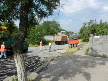По улице Антонюка (бывшей ул. Жукова) укладывают асфальт | Корабелов.ИНФО image 3