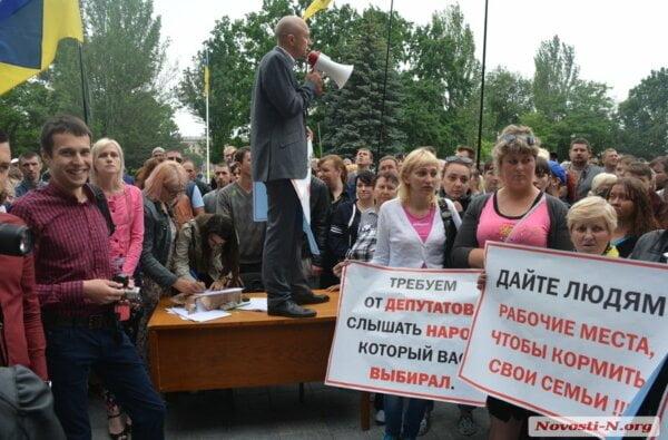 Мэр уступил митингующим: в Николаеве «будки» сносить не будут, пока не создадут схему их размещения (Видео) | Корабелов.ИНФО image 1
