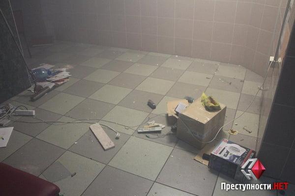 В Николаеве из-за форума партии соратника Януковича произошли столкновения в бизнес-центре - есть пострадавшие   Корабелов.ИНФО image 13
