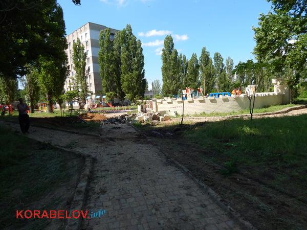 Из-за прорвавшей водопроводной трубы пришлось разрушить одну из башен «Сказки» в Корабельном районе (видео)   Корабелов.ИНФО image 9