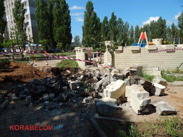 Из-за прорвавшей водопроводной трубы пришлось разрушить одну из башен «Сказки» в Корабельном районе (видео)   Корабелов.ИНФО image 8