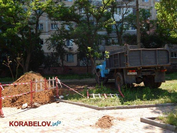 Из-за прорвавшей водопроводной трубы пришлось разрушить одну из башен «Сказки» в Корабельном районе (видео)   Корабелов.ИНФО image 2