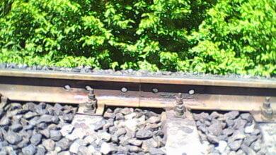 Обходчик пути в Николаеве вовремя обнаружил неисправности, которые могли повлечь за собой сход поезда   Корабелов.ИНФО