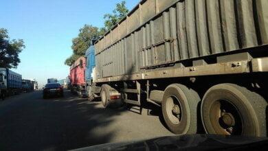 Photo of «Мы способны обеспечить стоянку грузовиков в достаточном количестве». Администрация СМП «Октябрьск» — об обработке зерновозов