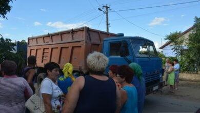 В Лиманах жители перекрыли дорогу, требуя убрать большегрузный транспорт  (видео) | Корабелов.ИНФО