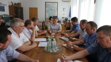 Мэр Николаева созвал глав районов и начальников райотделов полиции на совещание по борьбе со стихийной торговлей   Корабелов.ИНФО