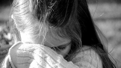 Photo of «В Корабельном из-за цветов в полисаднике женщина схватила девочек и била их головами друг об друга», — местный житель