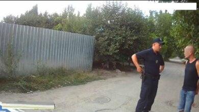 Средь бела дня полиция поймала двоих наркоманов в Широкой Балке   Корабелов.ИНФО