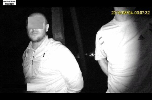 Находящийся в розыске злоумышленник попался полиции из-за неосвещенных номеров на машине | Корабелов.ИНФО image 2