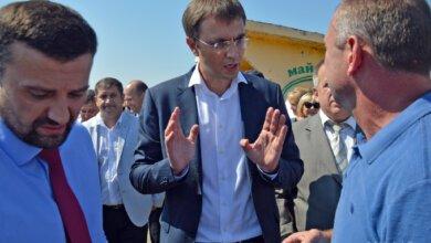 Photo of «Золотое кольцо»: министру инфраструктуры в Николаеве устроили показуху