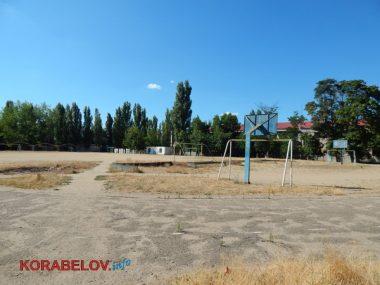 Состояние некоторых школьных дворов в Корабельном районе Николаева шокирует жителей (Видео)   Корабелов.ИНФО image 2