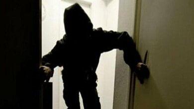 Photo of В Николаеве посреди дня двое в масках ворвались в жилой дом, избили хозяина и «вынесли» 12 тысяч долларов