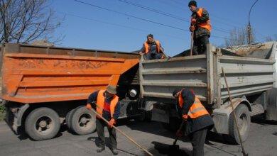 Начали ремонтировать съезд с Широкобальского моста   Корабелов.ИНФО