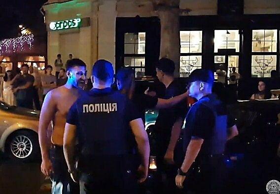 Правоохранители просят суд арестовать мажоров за хулиганство в центре Николаева   Корабелов.ИНФО