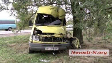 Под Николаевом «Мерседес» на полном ходу врезался в грузовик: один человек погиб | Корабелов.ИНФО image 1