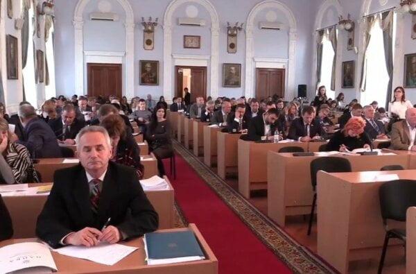 Почти с двухчасовым опозданием начала свою работу сессия горсовета 25 октября. ONLINE | Корабелов.ИНФО