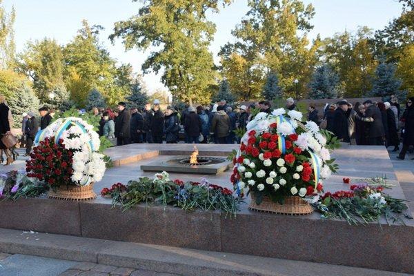 Photo of «Мы обязаны уважать свое прошлое». Николаевцы отметили 72-ю годовщину освобождения Украины
