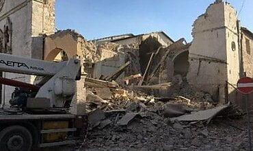 Фото и видео последствий землетрясения в Италии – в Риме треснул Собор Святого Павла   Корабелов.ИНФО