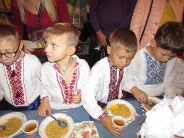 У Корабельному районі маленьких школярів посвятили у «читачі, першокласники та однокашники» | Корабелов.ИНФО image 13