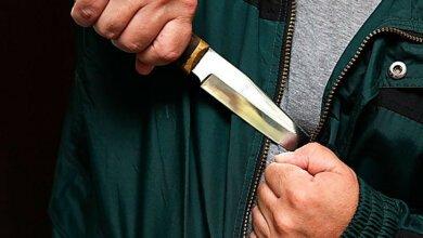 В Корабельном районе молодой парень с ножом ограбил магазин   Корабелов.ИНФО