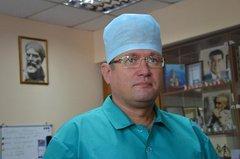 Врачам Николаевской БСМП пришлось сломать дверь, чтоб снять с парапета пятого этажа пациентку «под наркотиками» | Корабелов.ИНФО image 1