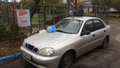 В Корабельном жители «отблагодарили» николаевца, перекрывшего своим авто подход к мусорным бакам   Корабелов.ИНФО image 2