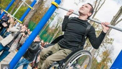 Житель Николаевщины, прикованный к инвалидному креслу, стал легендой украинского Workout   Корабелов.ИНФО
