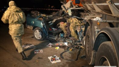 На трассе под Николаевом «Опель» врезался в автоцистерну: погибли трое военнослужащих. ВИДЕО | Корабелов.ИНФО image 1