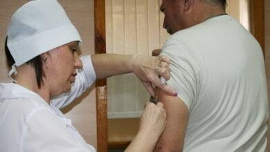 На НГЗ начали делать прививки из Великобритании   Корабелов.ИНФО image 1