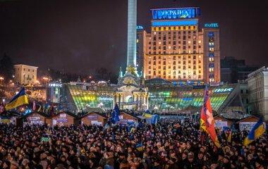 Янкович VS Порошенко или годовщина Революции Достоинства