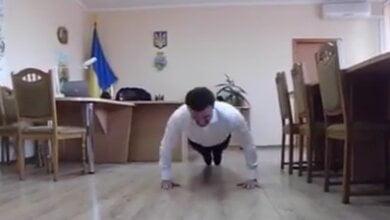 Чиновники Витовского района принимают вызов губернатора и показушно отжимаются | Корабелов.ИНФО image 2